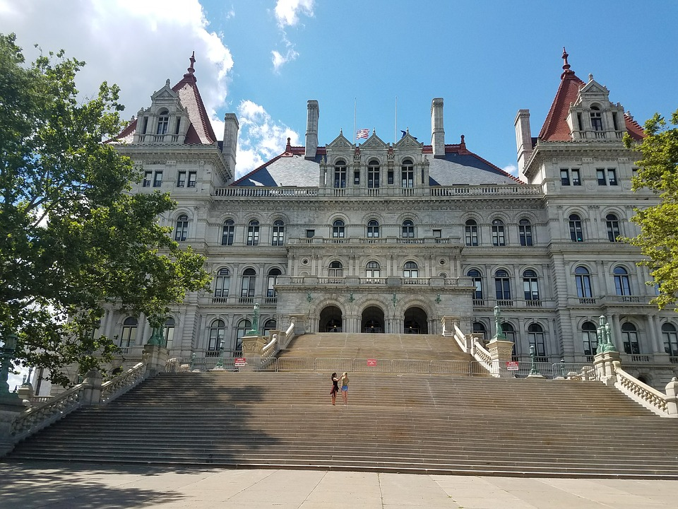 New York sports betting bill moves forward with 'integrity fees' intact
