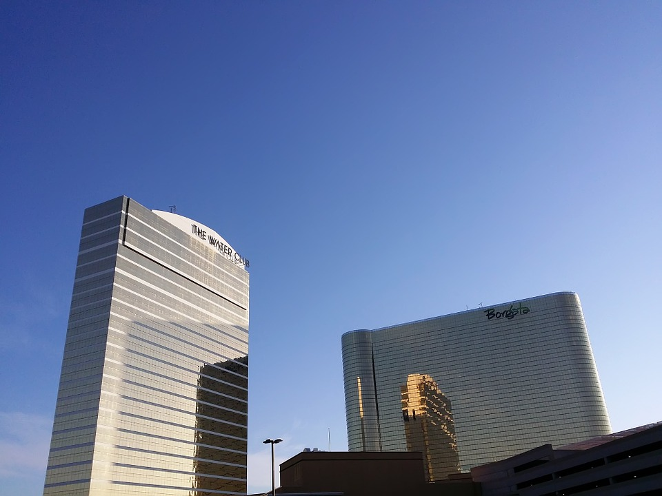 Phil Ivey Takes on Borgata with One More Lawsuit