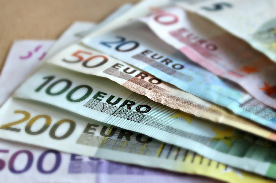 20 Effective Ways to Earn Money Online Through Blogging, Affiliate Marketing & Social Media