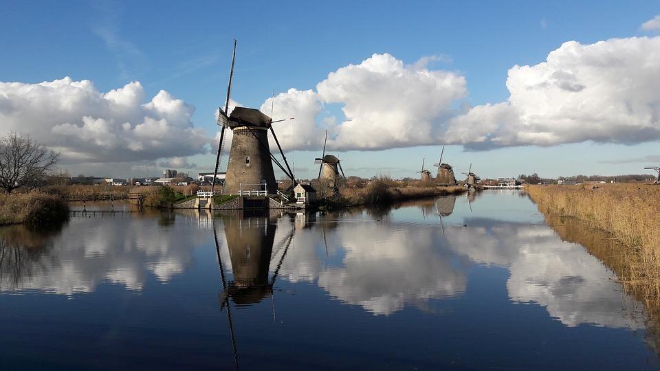Dutch online gambling opening pushed back to 2021