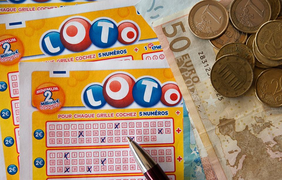 UK men sue Camelot after dubious  £4 million lotto win