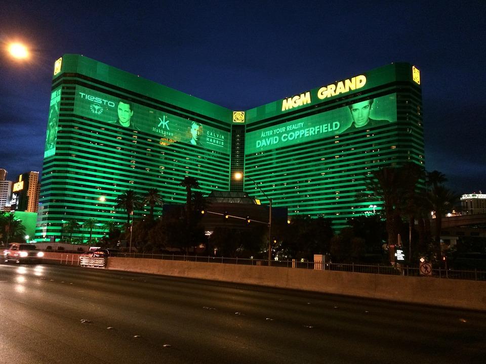 MGM Resorts clocks 53% Q4 revenue drop