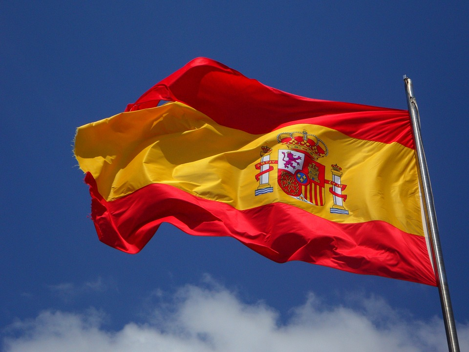 Spain bans sports betting on games featuring underage players
