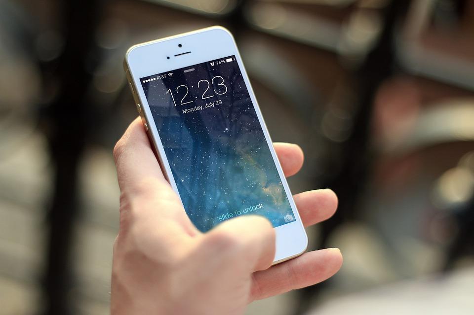 Apple demands real money gambling apps be iOS native