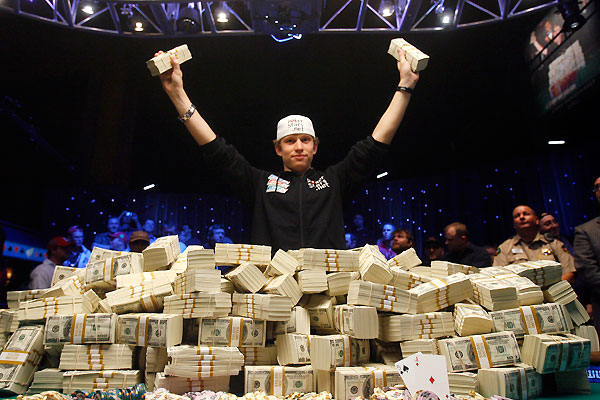Are Professional Poker Players Still a Draw for iGaming Sites?